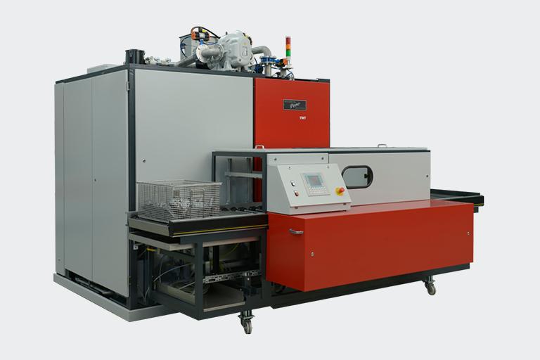 Die PERO TWT Reinigungsanlage arbeitet mit ausgeklügelter Verfahrenstechnik. Sie arbeitet mit Tauch- und Spritzreinigung mit Vakkuum-Trocknung.