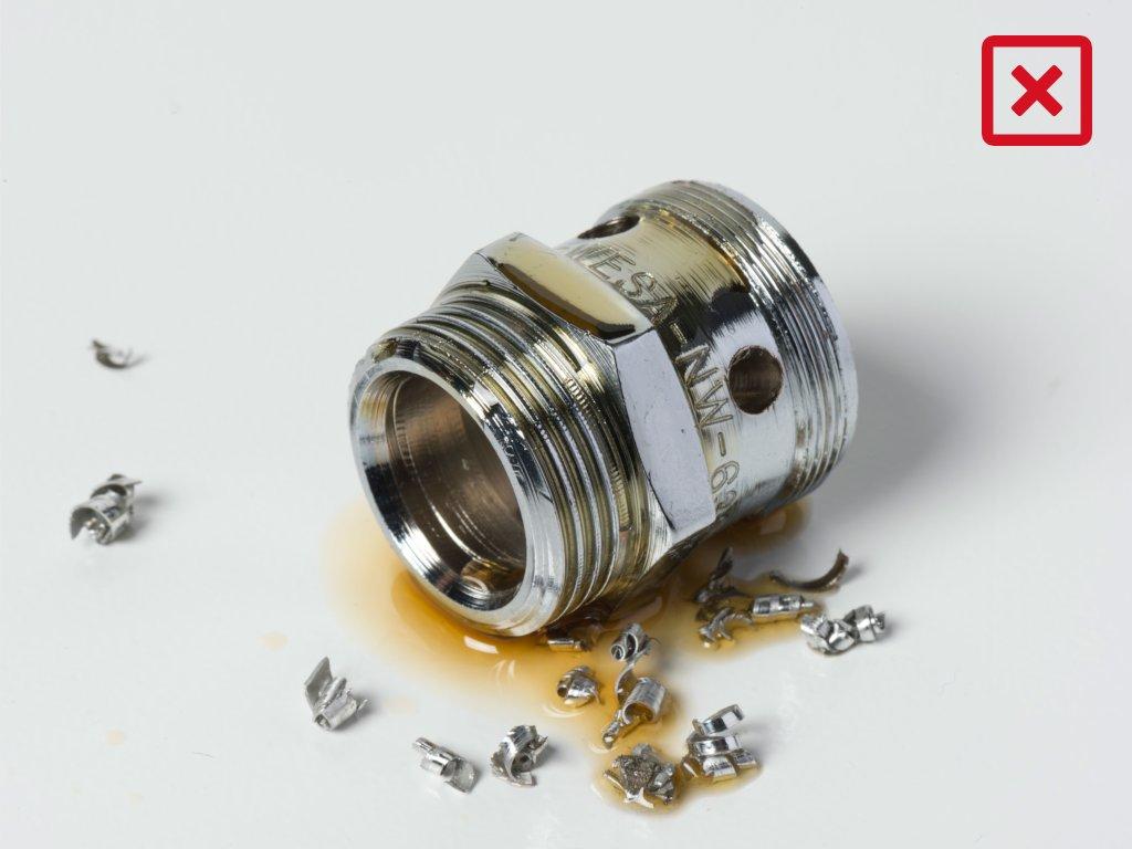 Entfettung - Ölverschmutztes Drehfrästeil Kupplung-Werkstück